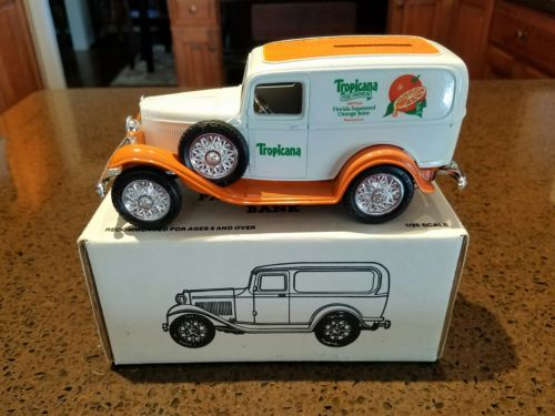 ERTL Tropicana 1932 FORD Panel Delivery Van Bank