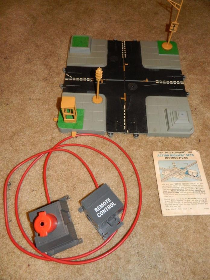 Vintage 1967 Ideal Motorific Remote Control Highway Intersection