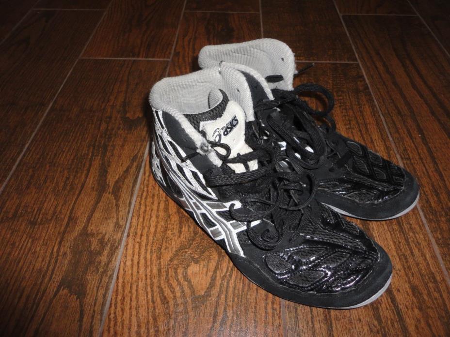 Mens Asics Black Wrestling Shoes Sz. 8