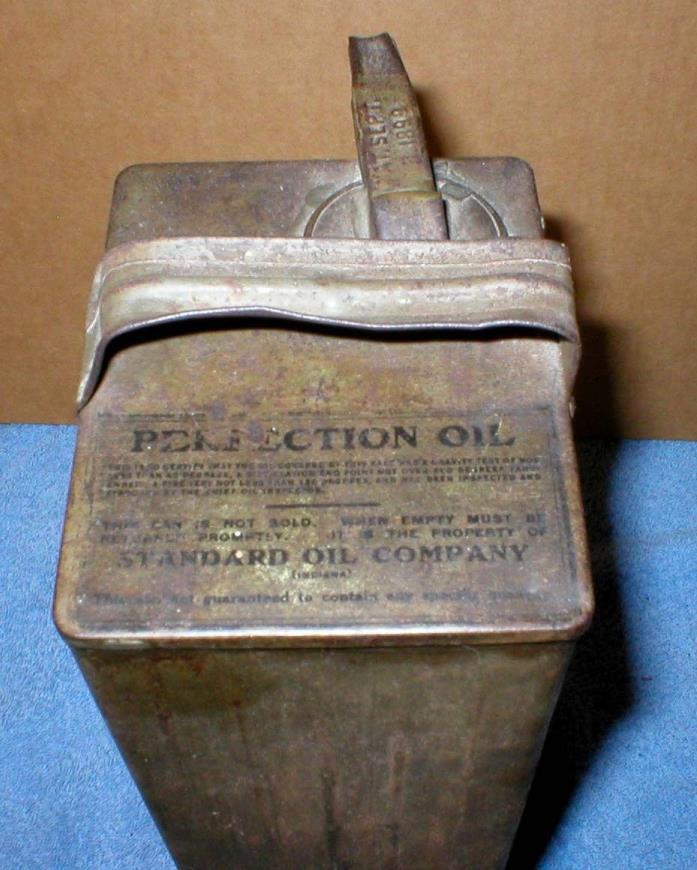 Standard Oil Perfection 1 Gallon Oil Gas Can Kerosene Lamps Heater Filler