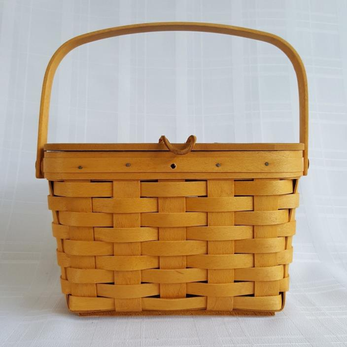 Longaberger Basket Retired 1999 Small Picnic with Lid Protector Missing Button