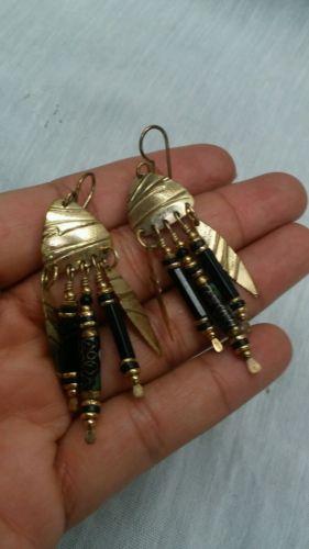 Beautiful Vtg. Tabra cloisonne onyx gold tone dangle wire  earrings