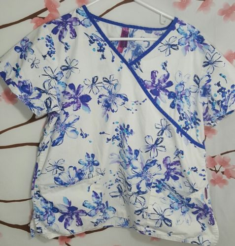 Scrub works womens large blue and white floral scrub top