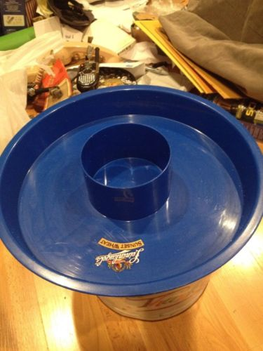 Leinenkugel's Beer Sunset Wheat Chip And Dip Large Blue Plastic Round Tray