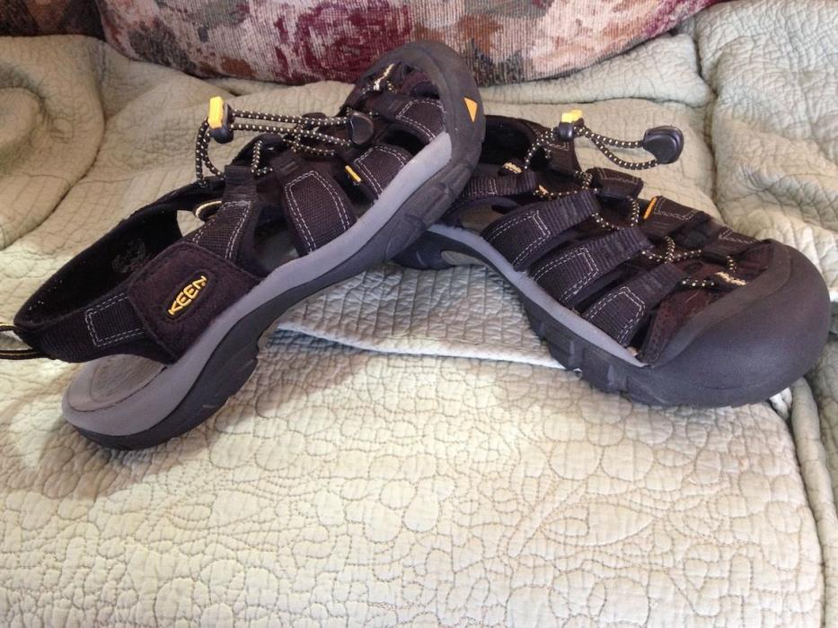 Keen Waterproof Sport Sandals, Men's 8 US (40.5 EU) - Black EUC - LOOK !