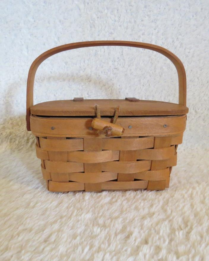Longaberger Lidded Small Basket , Purse