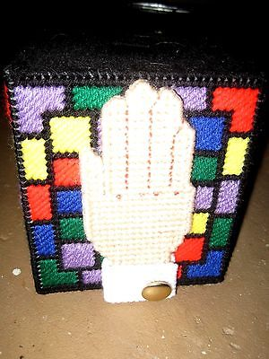 PRAYING HANDS PLASTIC CANVAS NEEDLEPOINT BOUTIQUE TISSUE HOLDER:VERY COLORFUL