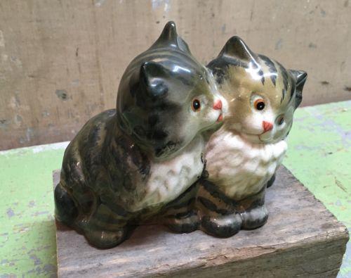 VINTAGE BESWICK ENGLAND SEATED BLACK & GRAY PERSIAN KITTENS CATS 1316