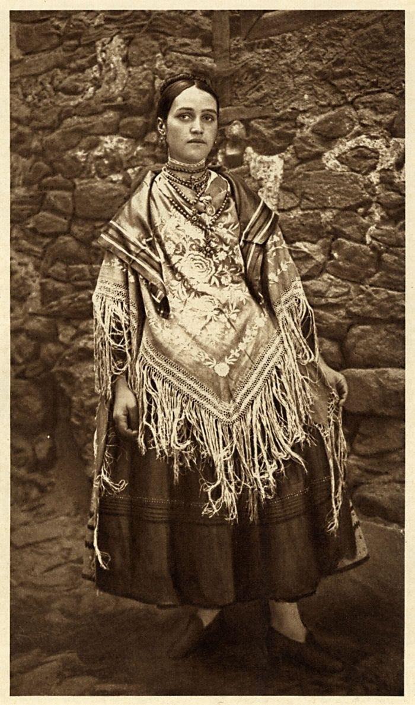 Young Woman/Festal Costume La Alberca Spain/España: 1925 Hielscher Photogravure