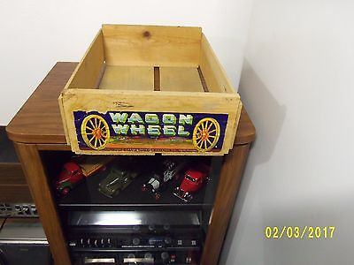 vtg. Wagon Wheel wooden fruit crate