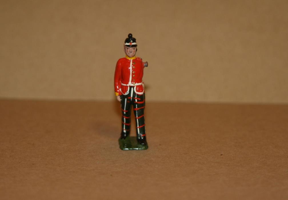 VINTAGE BRITIANS LEAD TOY SCOTTISH GUARD - ARM MISSING - 100% ORIGINAL - W 1036