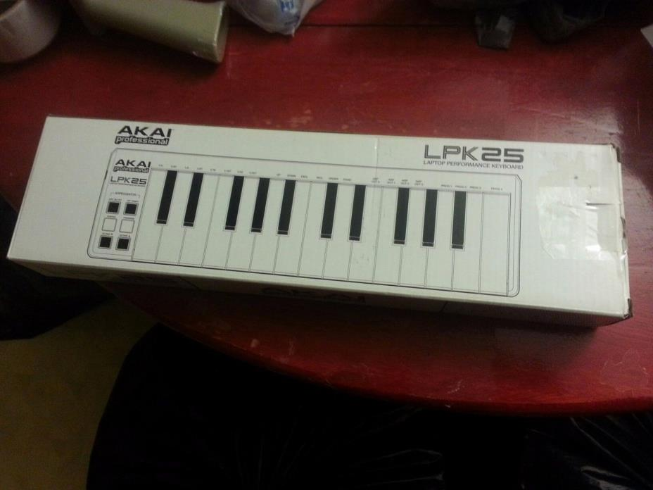 Akai  LPK25 | 25-Key Ultra-Portable USB MIDI Keyboard Controller