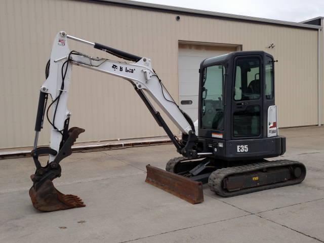 2013 BOBCAT E35 Mini Excavator, CAB/HEAT/AC/ HYDRAULIC THUMB, track hoe