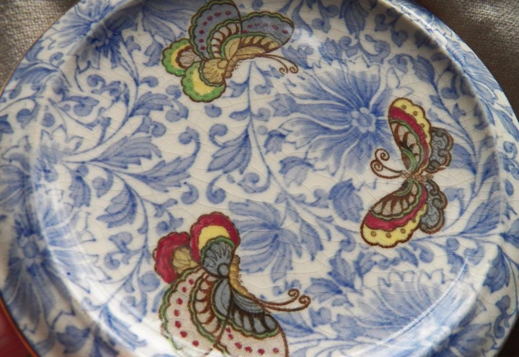antique ROYAL DOULTON Butterfly Chintz Trivet for Teapot