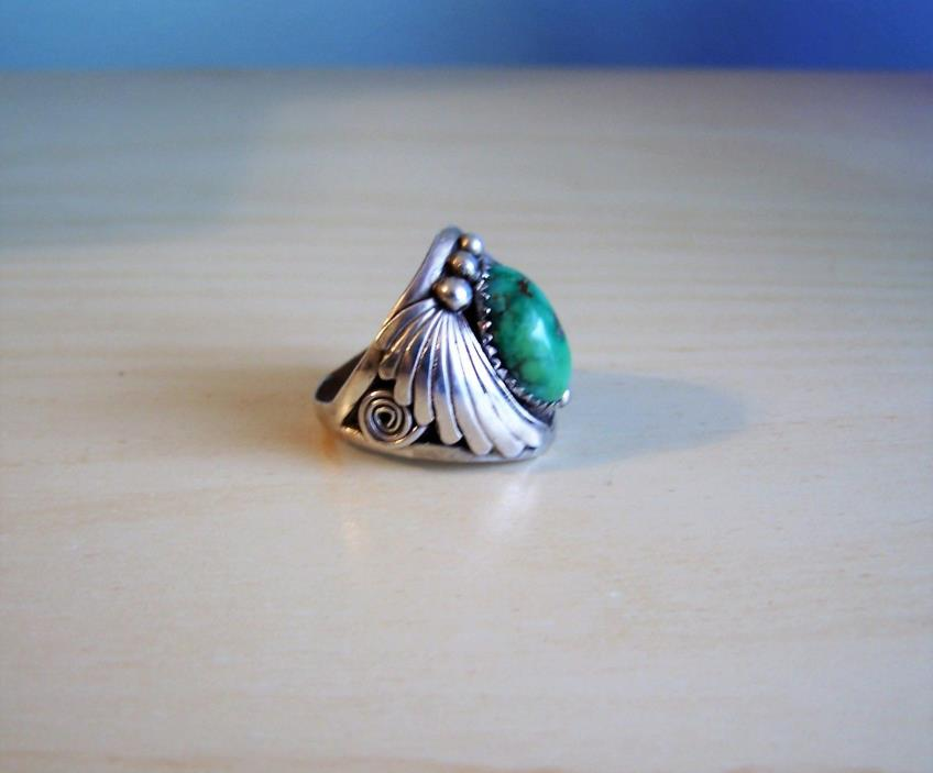 Vintage Men's Navajo Green Turquoise Sterling Silver Ring 8.6 gr Feather Design