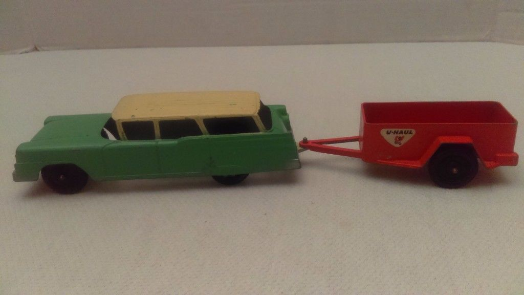 Vintage 1959 Tootsietoy Ford Station Wagon 5 1/2