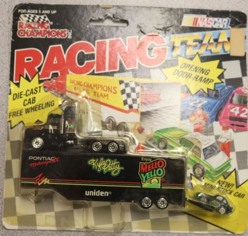 NASCAR Racing Champions 1992 - Kyle Petty #42 Cab and Mini Stock Car