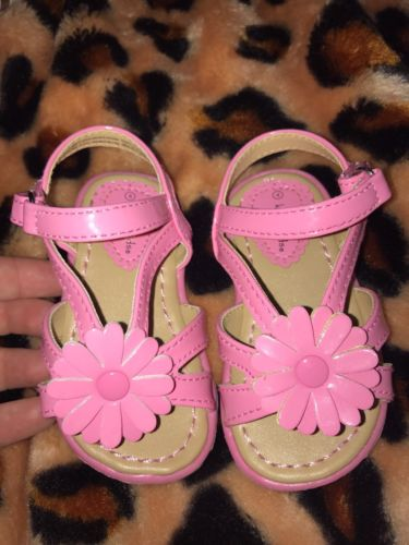 Toddler Girls sandal shoe Size 4 Pink