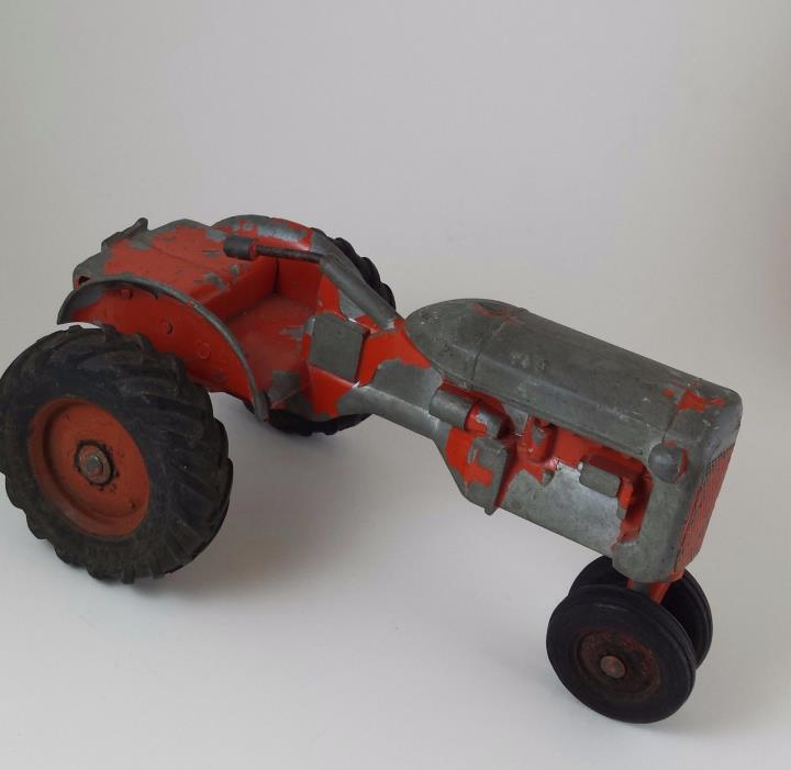VINTAGE ALLIS CHALMERS TOY TRACTOR ANTIQUE COLLECTIBLE