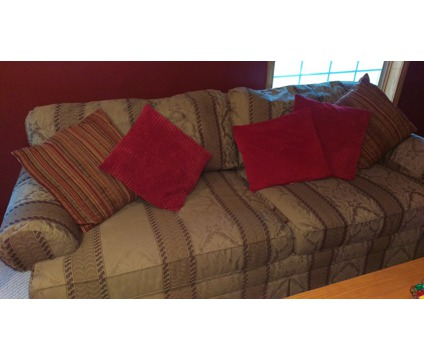 King Hickory Sofa for Sale