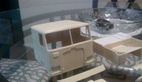 Resin conversion Truck Diamond Reo Coe