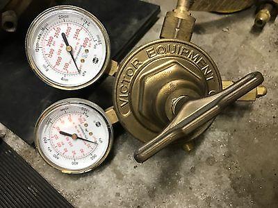 VICTOR EQUIP CO 452-D 3000 PSI INLET PRESSURE 2 STAGE GAS REGULATOR