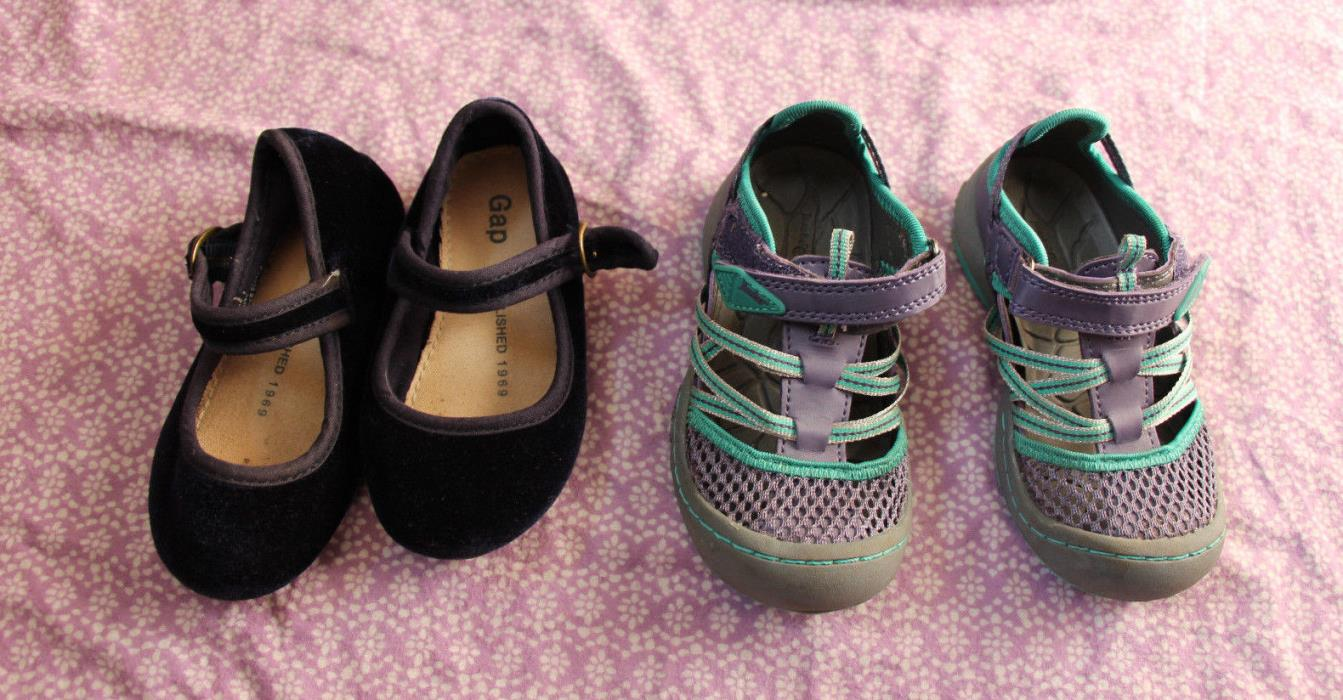 Lot of Two Pairs of Toddler Shoes Size Toddler 7 Mary Janes Sneaker Sandals