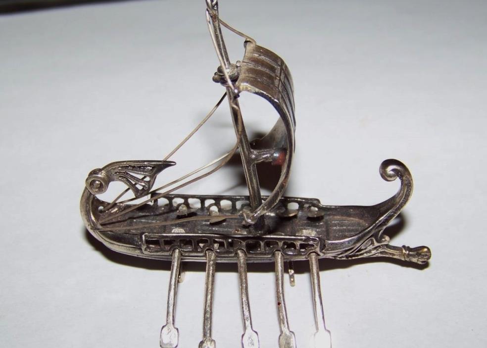 Vintage 800 silver Viking ship - 22g
