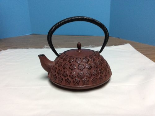 Cast Iron Teapot Infuser Floral Burgundy