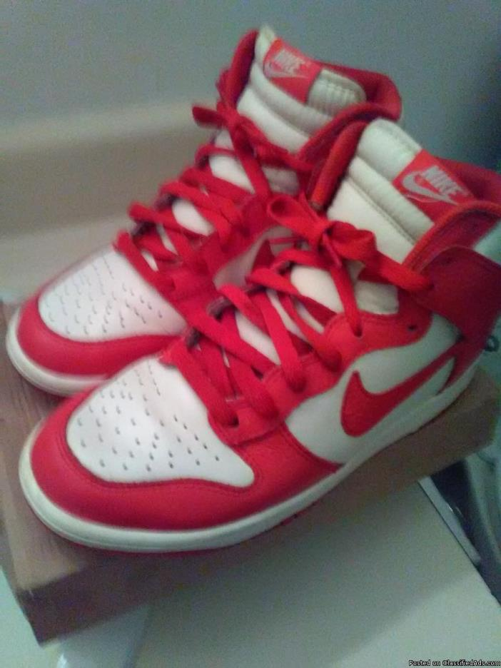Boy Nike high top tennis shoes