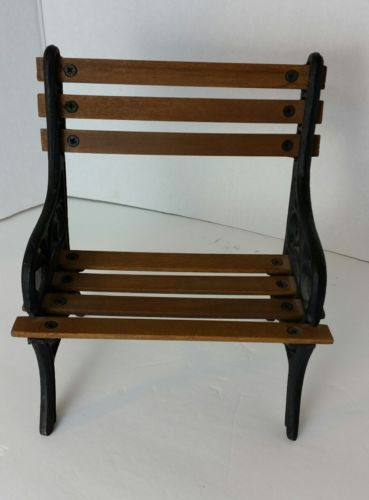 Doll  Park Bench Wrought Iron and Wood EXCELLENT CONDITION
