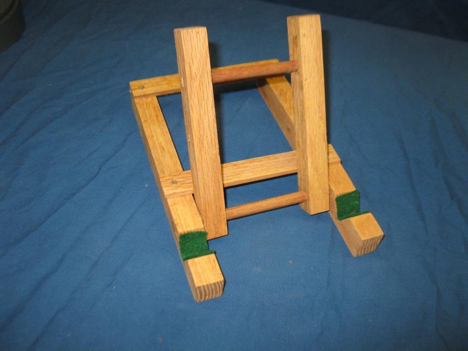 Oak Easel Display Case Stand Collectibles display   #292