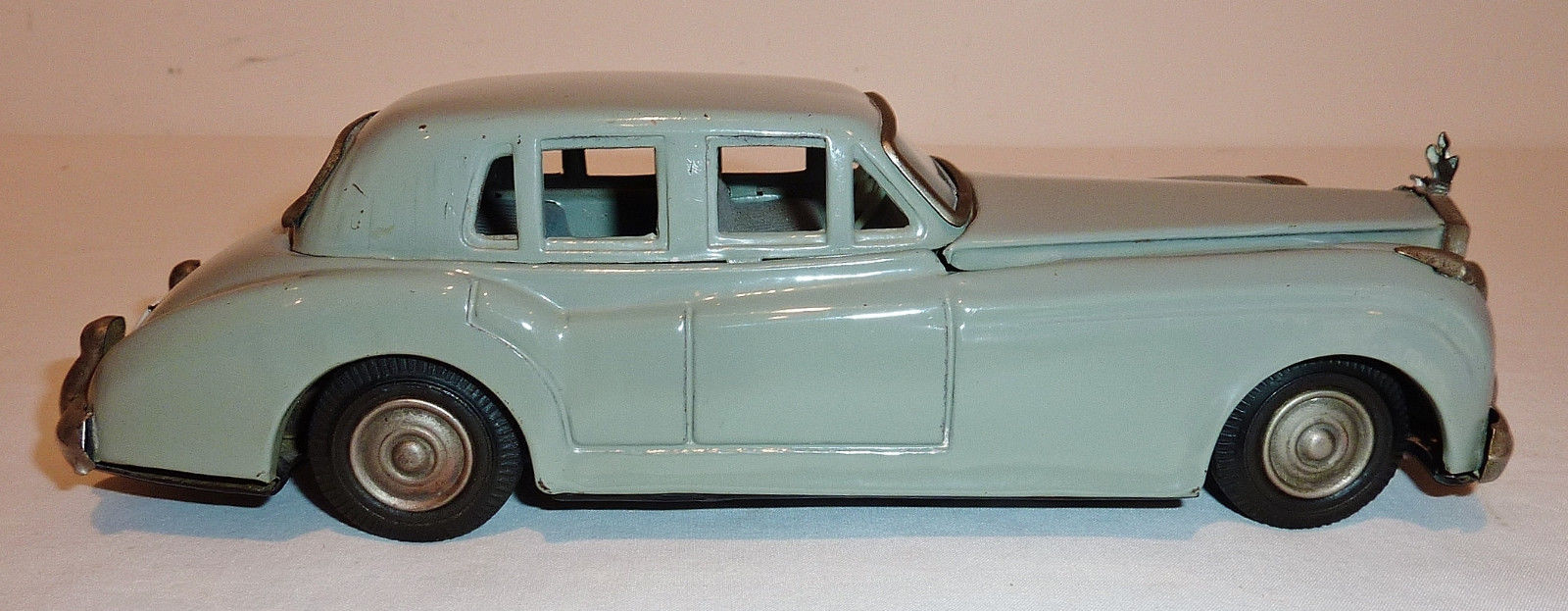 YONEZAWA Japanese Tin Litho Friction 1960s ROLLS ROYCE SILVER CLOUD 4-DOOR SEDAN