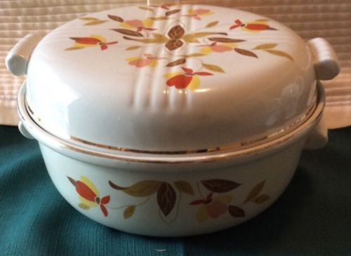 VINTAGE HALL'S JEWEL TEA AUTUMN LEAF  CASSEROLE  DISH W/LID