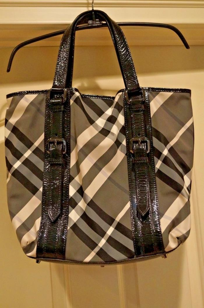MINT BURBERRY BEAT CHECK VICTORIA MEDIUM TOTE  - AWESOME!!!!