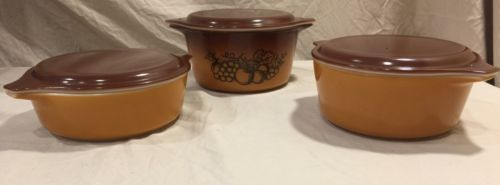 Vintage Pyrex Casserole Dish Set With Lids