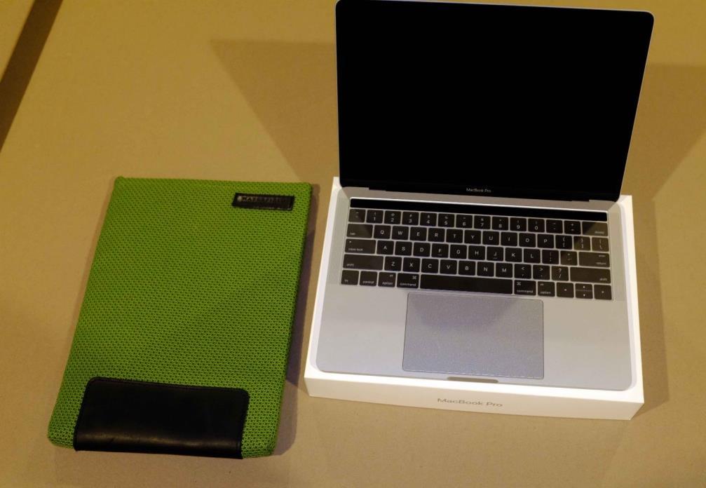 2016 Macbook Pro 13.3 1TB 3.3ghz Touch Bar, 2016 Macbook Pro 13, Touch Bar
