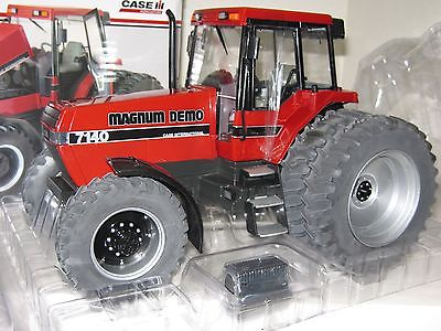 1/16 CASE I-H 7140 MFWD MAGNUM DEMO w/DUALS TOY TRACTOR TIMES INSERT NIB