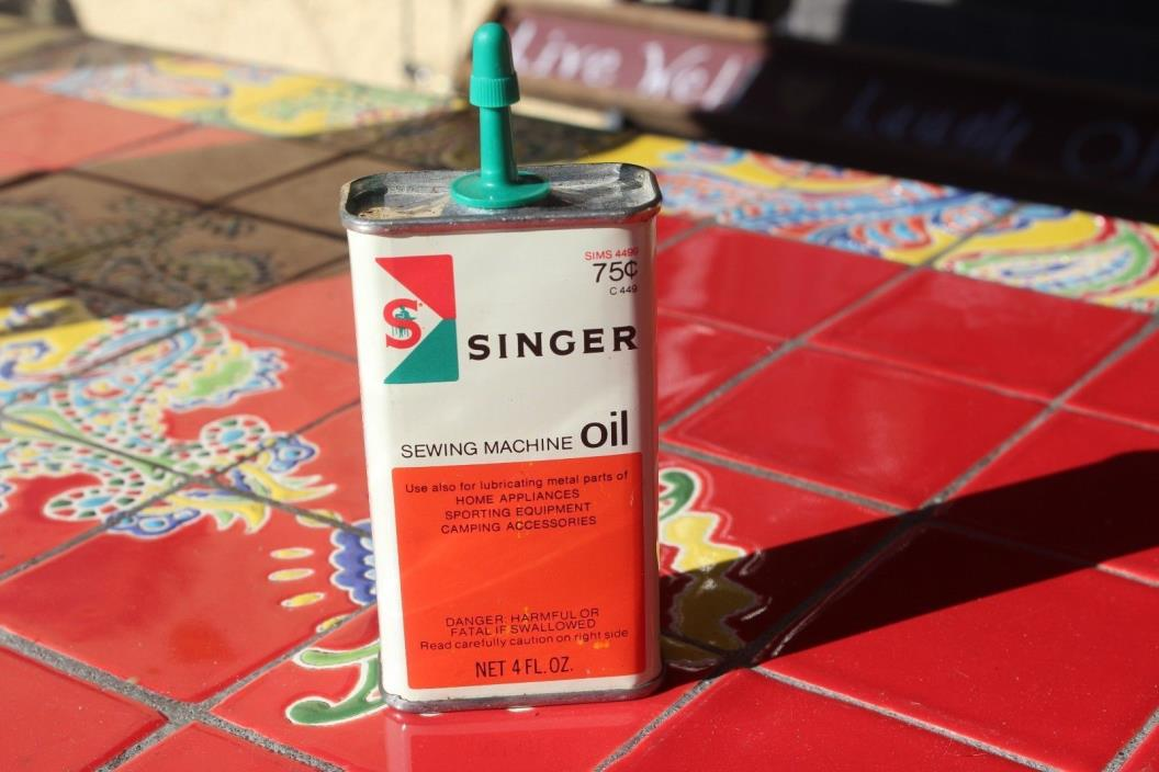 VINTAGE SINGER SEWING MACHINE OIL CAN/ Full
