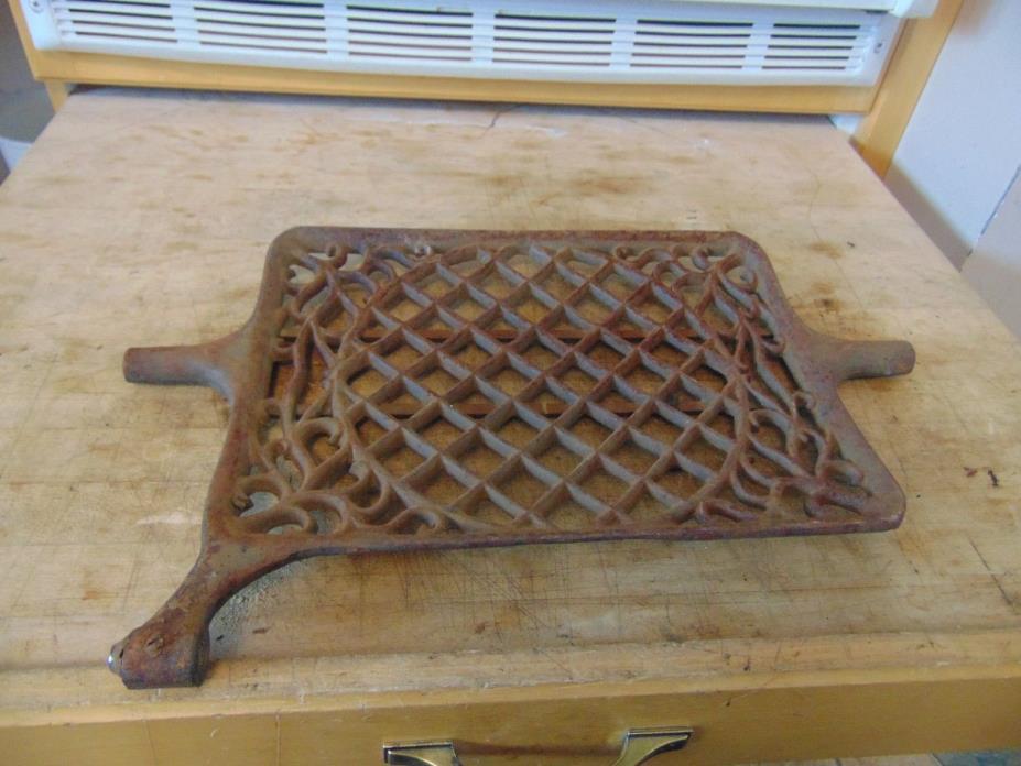 vintage /antique  part for   sewing machine  treadle    #  4135