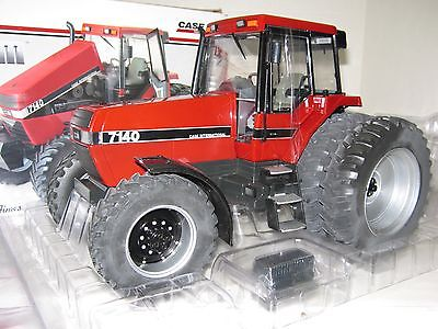 1/16 CASE I-H 7140 MFWD w/DUALS TOY TRACTOR TIMES EDITION NIB