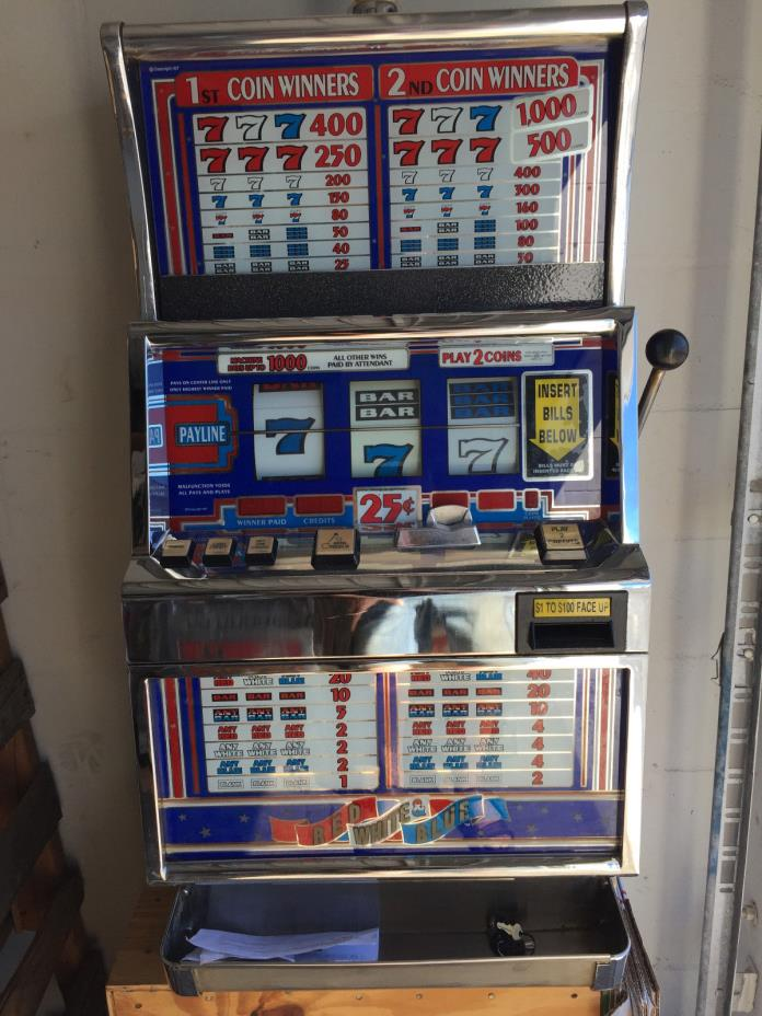 IGT - SLOT MACHINE - IGT S+ RED WHITE AND BLUE    - 2  COIN