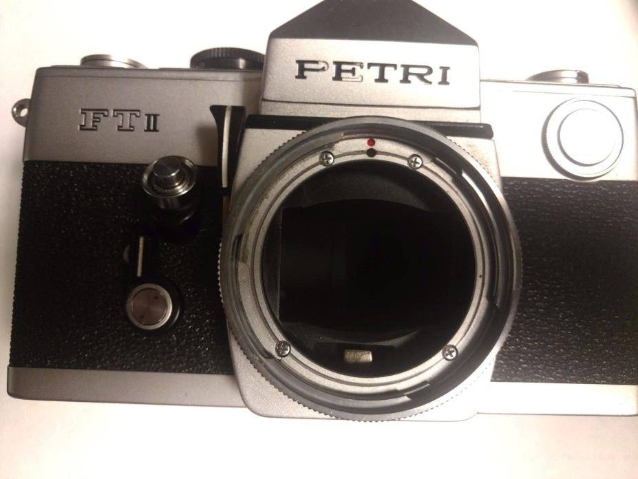 Petri FT II 35mm SLR Film Camera *BODY ONLY*