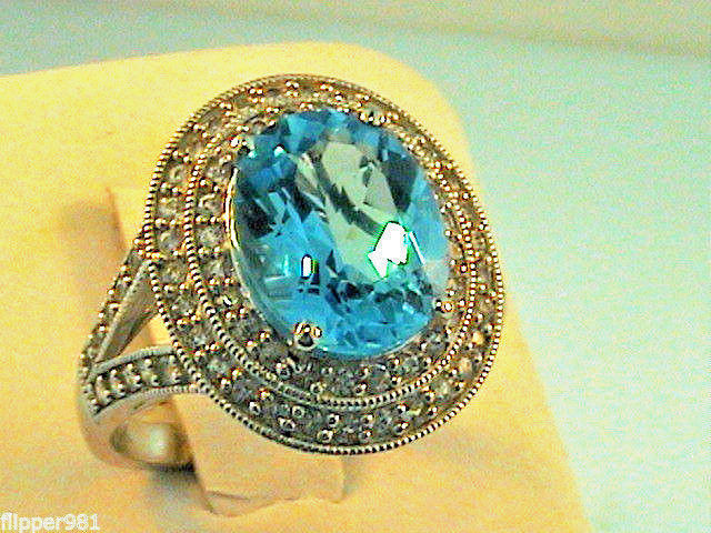 Diamond Halo Ring 14kt White Gold