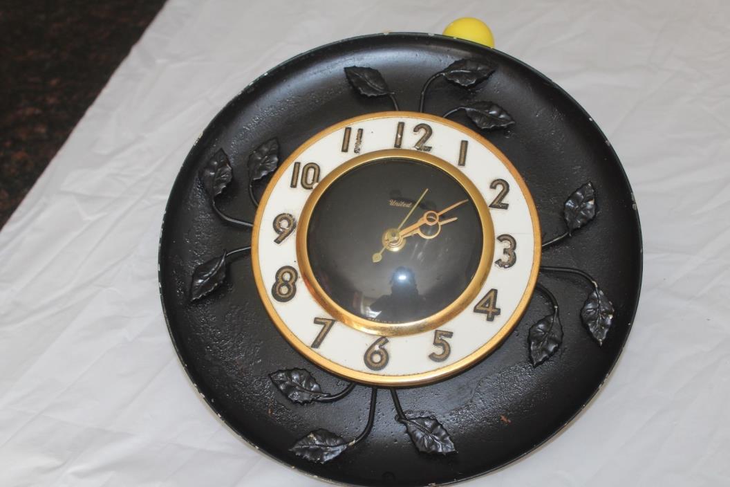 vintage kitchen wall clock united clock corp 45