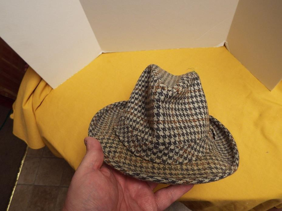 VINTAGE PLAID FEDORA HAT CHECKED GOOD CONDITION NEEDS CLEANED