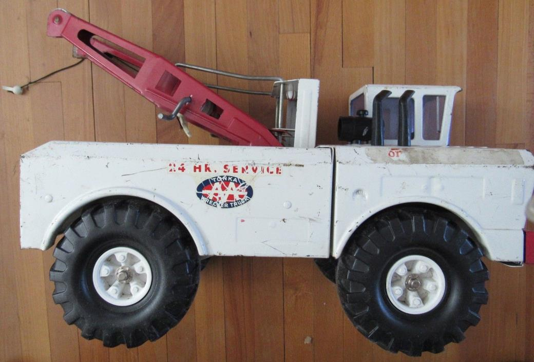 Vintage Mighty Tonka AAA Wrecker 24 Hour Service Tow Truck