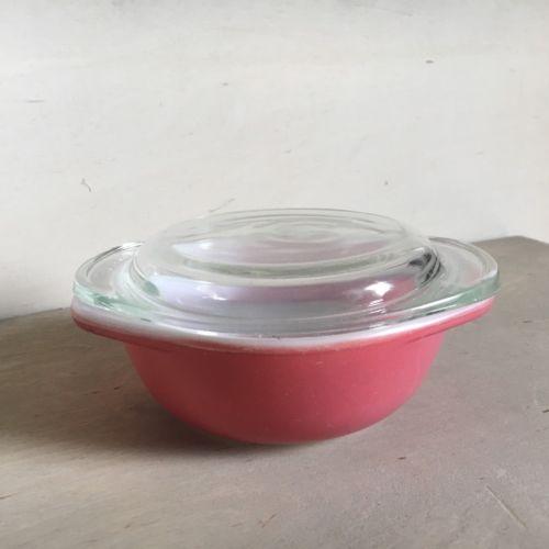 Vintage Pyrex 8 oz Dish Pink Flamingo with Lid