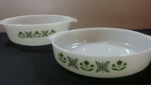 ANCHOR HOCKING FIRE KING set of two CASSEROLE DISH MEADOW GREEN speedy ship