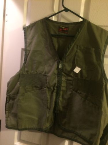 Vintage Sport-Built Water Repellant Hunting Vest (New) Size Large